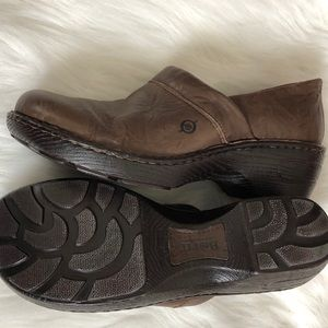 Born brown leather clogs size 10 / 42